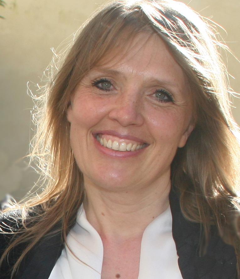 Dr Julietta V Rau